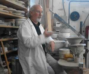 L'artista Paolo Lazzarotti al Tornio
